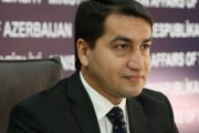باکو :تحویل سلاح از سوی روسیه به ارمنستان به حل مناقشه قره باغ کمک نمی کند