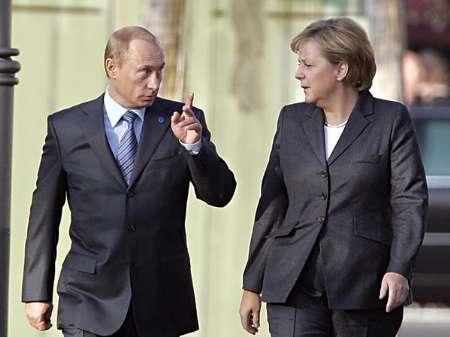 مرکل از پوتین خواست شورشیان طرفدار مسکو در اوکراین را کنترل کند
