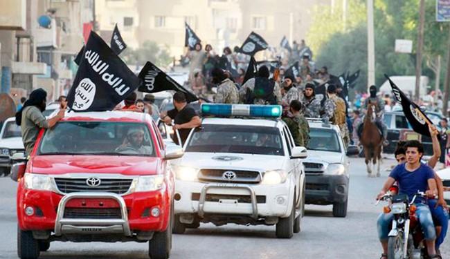 اجباری شدن حمل پرچم داعش در موصل