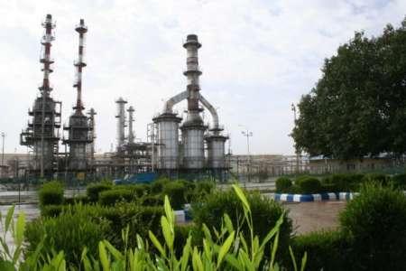 آتش سوزی در پالایشگاه نفت لاوان مهار شده است