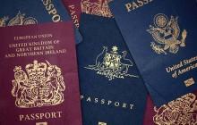 رنگ جلد پاسپورتها چگونه انتخاب میشوند و چرا کشورها پاسپورتهایی با رنگهای متفاوت دارند؟