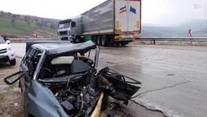 زندهماندن راننده در تصادف وحشتناک با تریلی