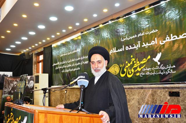 امام جمعه نجف: به برکت انقلاب اسلامی، مراسم اربعین حسینی دو ملت ایران وعراق را یکپارچه کرد