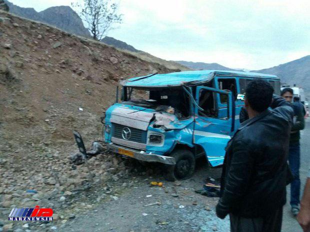 رئیس مرکز مدیریت حوادث و فوریتهای پزشکی استان کرمانشاه خبر داد:  تصادف رانندگی در استان کرمانشاه ۱۱ مصدوم به جاگذاشت