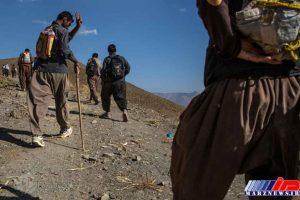 حرکت کولبران درمسیر قاچاق کالا از عراق به ایران در غرب کشور