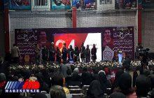فروش نمادین پیراهن هادی نوروزی به نفع زلزله زدگان کرمانشاه در مشهد