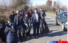 اجرای برنامه پاکسازی در حاشیه جاده ورودی رضوانشهر