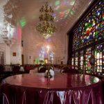 نمايي از تالار شاه نشين خانه تاريخي صادقي