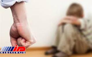 کودک آزاری در بندر ماهشهر/ ضرب و شتم فرزندان با چکش