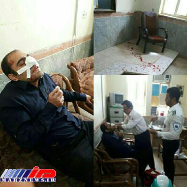 کتک زدن یک معلم توسط والدین دانش آموز در خورستان (عکس)