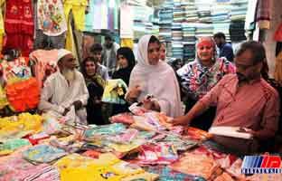 جنب و جوش مردم پاکستان برای استقبال از 'عید شیرین'