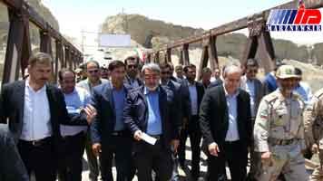 وزیر کشور یک دهنه پل را در منطقه مرزی گلستان افتتاح کرد