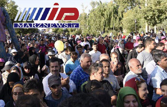 همایش بزرگ پیاده روی خانوادگی استان البرز برگزار شد