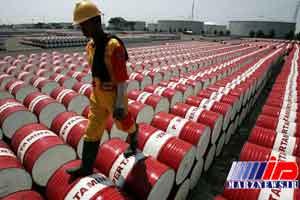 بستن تنگه هرمز قیمت نفت را به 400 دلار می رساند