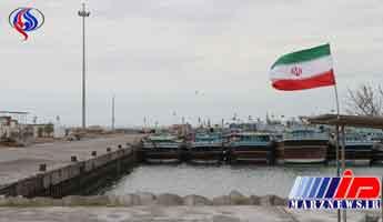 غرق شدن لنج باری در دریای عمان/ 10 ملوان از مرگ حتمی نجات یافتند