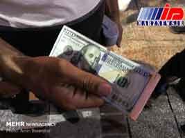 تب فروش دلار در مشهد/ هیجان بازار کم شد