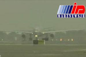 توقف پروازهای مشهد به علت شرایط جوی