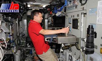 آموزش فضانورد روس برای کار با ابزارهای جدید ایستگاه فضایی بینالمللی+عکس