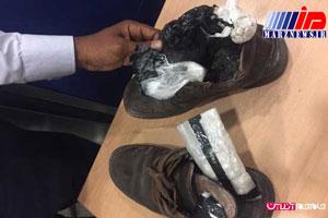 کشف مواد مخدر از کفش یک مسافر