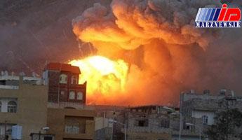 حملات هوایی و زمینی ائتلاف و مزدوران وابسته به عربستان به یمن شدت گرفته است