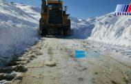 بارش برف راه ارتباطی ۱۰۰ روستا در کردستان را مسدود کرد