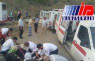 ۱۳ مصدوم در برخورد مینیبوس با کامیون در گیلان