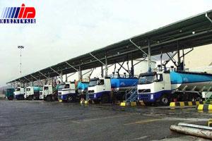 کامیون های عراقی در چذابه سوخت رابه قیمت روز خریداری می کنند