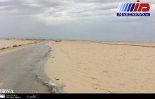 سیلاب جاده ساحلی گناوه به بوشهر را بست