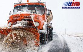 بارش برف جاده ساری - سمنان را مسدود کرد