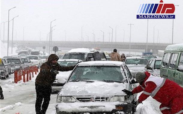 هلال احمر خراسان شمالی به ۶۴ گرفتار در کولاک امدادرسانی کرد