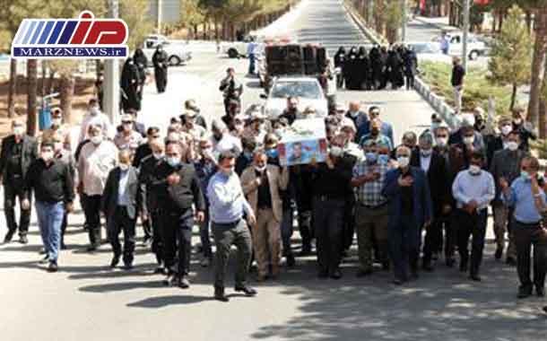 پیكر شهید اینانلو در منطقه ویژه اقتصادی و فرودگاه بین المللی پیام تشییع شد